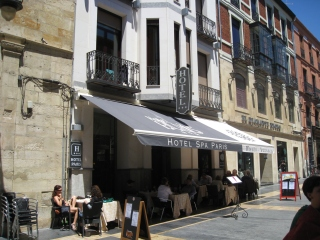 Paris Hotel on Calle Ancha