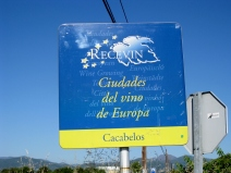 Coming into Cacabellos